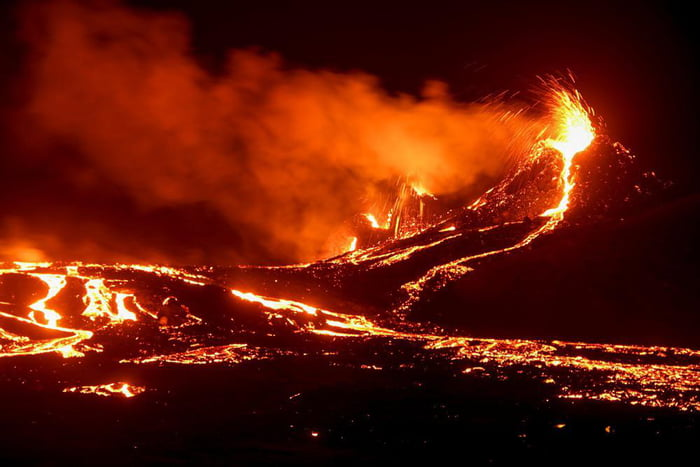 A volcano in Iceland that has been dormant for 6000 years has just erupted