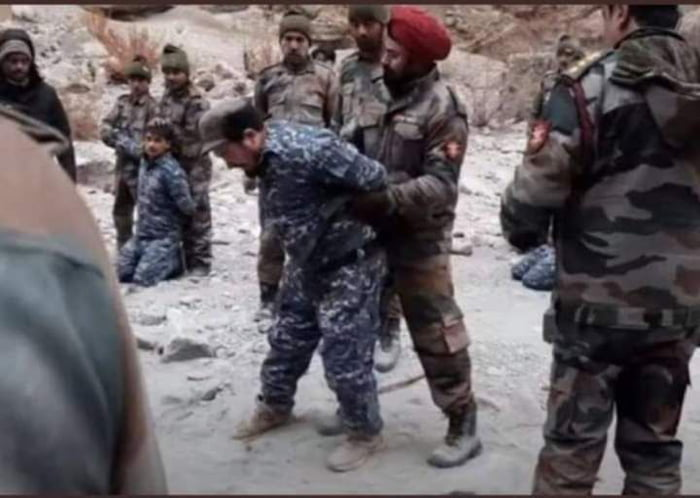Chinese soldiers got beaten up by Indians again