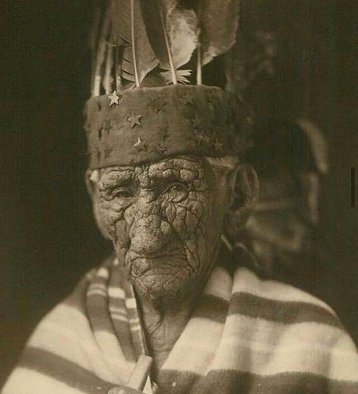 Chief John Smith was rumoured to have lived from 1785 to 1922.
