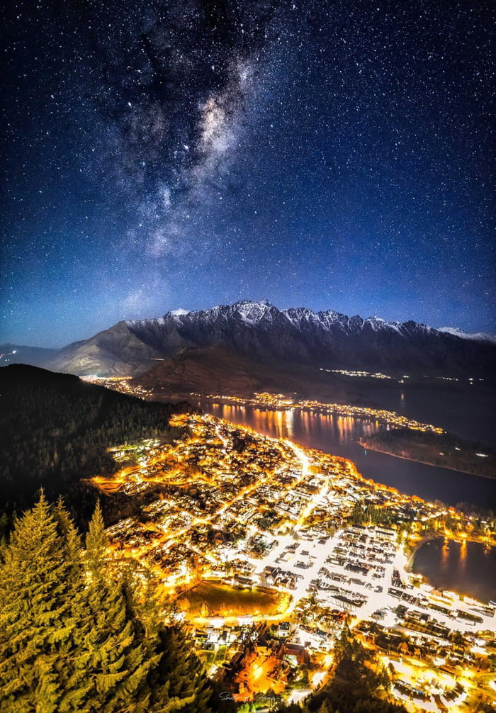 """Different angle Queenstown, NZ. Taken on Nikon D810. The lens was a 20mm sigma Art and the settings were 6"""", ISO6400, f/1.4 for the milky way/mountains and then another exposure immediately after for 1/5 second for the highlights."""